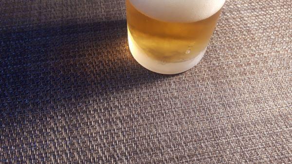 キリン「淡麗極上<生>」の色合い(オリジナル写真)
